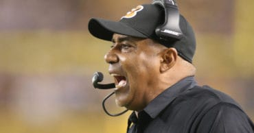 25 NFL Coaches Who Overstayed Their Welcomes